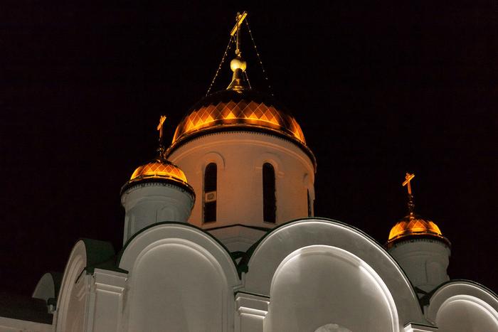 В кафедральном соборе Рождества Христова Тирасполя проходит ночное богослужение