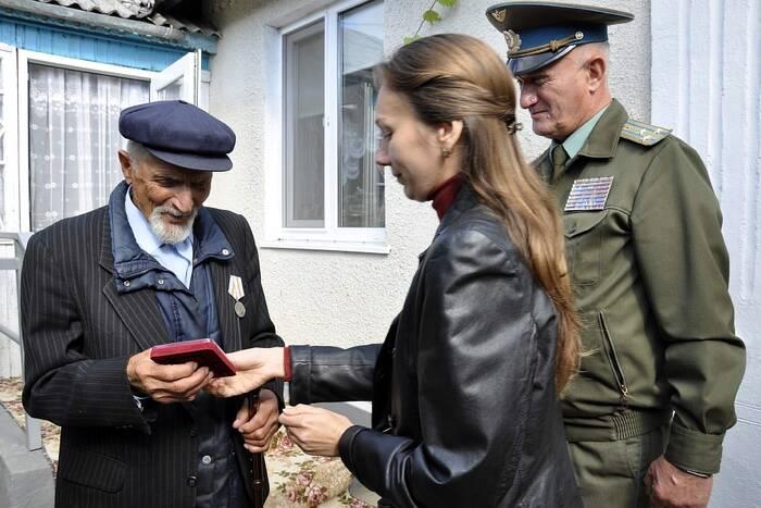 В Каменском районе ветеранам ВОВ вручили юбилейные медали