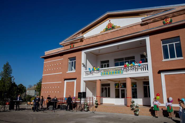 Почти 30 лет без ремонта. В Малаештах за счет средств Фонда капвложений отремонтировали Дом культуры
