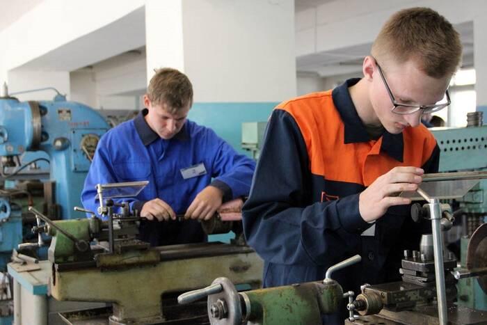 В Минпросе обсудили организацию профобразования для учеников 9-11 классов