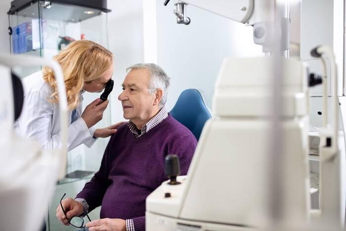 Как сохранить зрение до глубокой старости. Советы офтальмолога