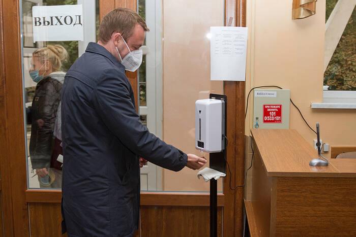 В Правительстве обсудили эффективность автоматических измерителей температуры в школах