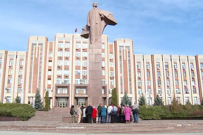 В Приднестровье празднуют годовщину Великой Октябрьской революции