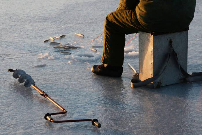 В Рыбнице спасли пожилого рыбака, который провалился под лёд