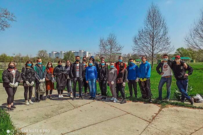 В столице организовали акцию «Чистый берег Днестра»