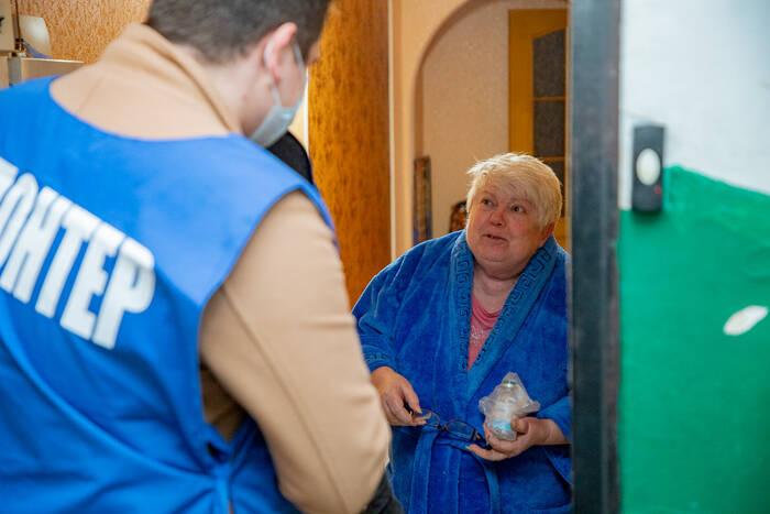 В зоне риска COVID-19 – пенсионеры. Пожилым людям не следует без особой надобности выходить из дома