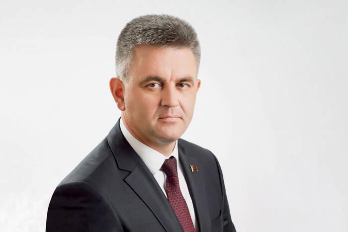 Вадим Красносельский направил поздравления по случаю Дня Вооружённых сил ПМР