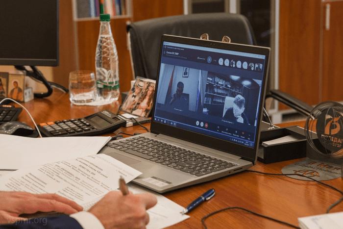 Верховный Совет принял ряд законопроектов для расширения электронного документооборота