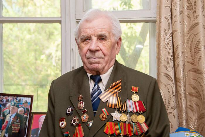 Ветеран Великой Отечественной войны Владимир Громов отмечает 95-летие