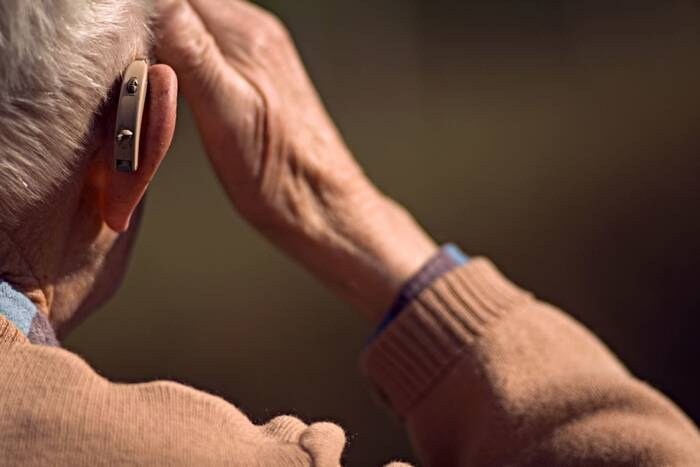 Ветераны Великой Отечественной войны бесплатно получат слуховые аппараты