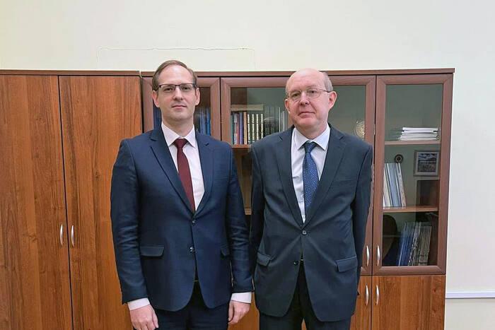 Виталий Игнатьев встретился с Послом по особым поручениям МИД России Виталием Тряпицыным