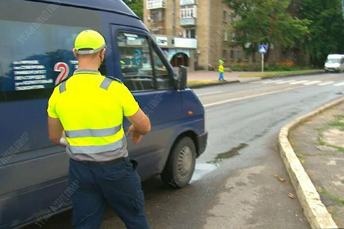 За два дня выявлено семь фактов нарушения правил перевозки пассажиров